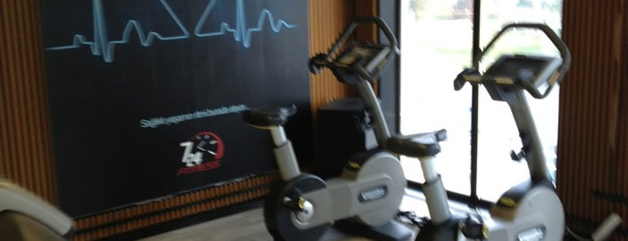 7/24 Fitness & Spa is one of Lugares favoritos de Burak.