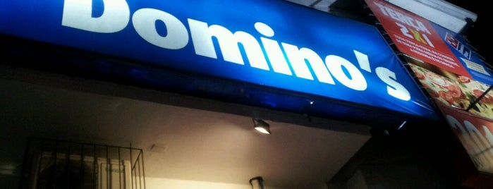 Domino's Pizza is one of Tempat yang Disukai Marcelo.