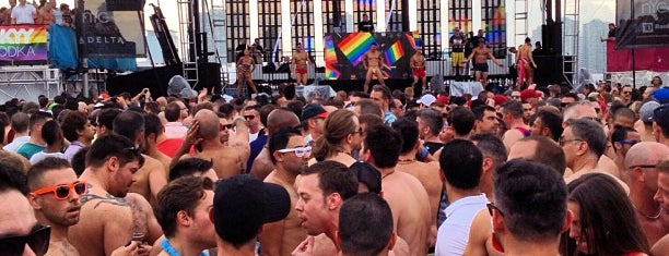 Dance on the Pier (Official NYC Pride Event) is one of Posti che sono piaciuti a Brian.