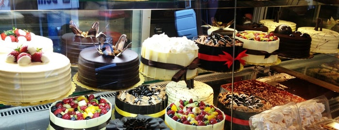 La Vita Patisserie is one of Istanbul 2.
