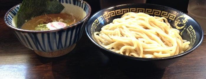 東京煮干し中華そば 三三七 is one of สถานที่ที่ 高井 ถูกใจ.