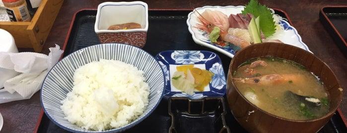 氷見魚市場食堂 海寶 is one of สถานที่ที่ 高井 ถูกใจ.