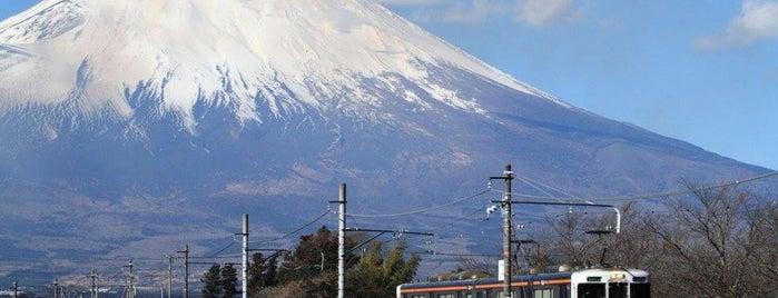 富士山 & 御殿場線 撮影ポイント is one of Lugares favoritos de 高井.
