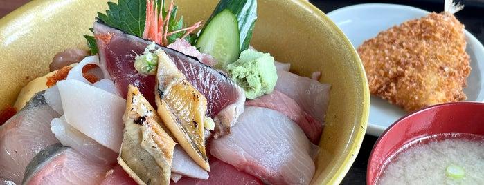 旬膳 はな房 is one of Posti che sono piaciuti a 高井.