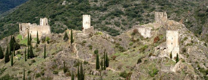 Châteaux Lastours is one of Escenarios de la novela TIERRA SIN REY.