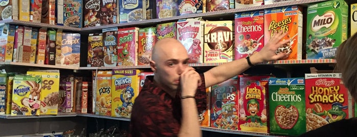 Cereal Killer Cafe is one of Tempat yang Disukai Kevin.