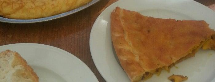 La Mona is one of Donde comer en Vigo.