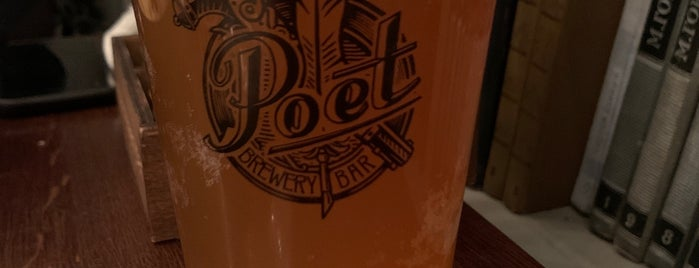 Poet Brewery & Bar is one of Lugares favoritos de Vlad.