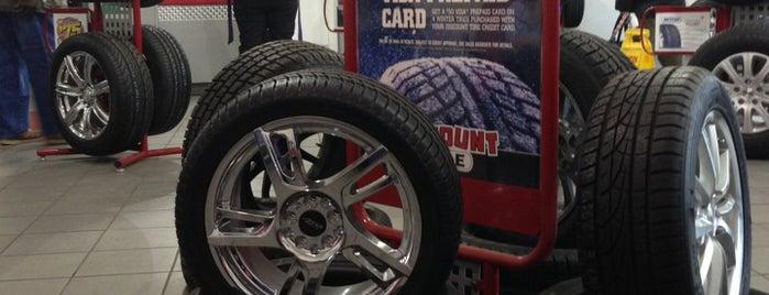 Discount Tire is one of Orte, die Paula gefallen.