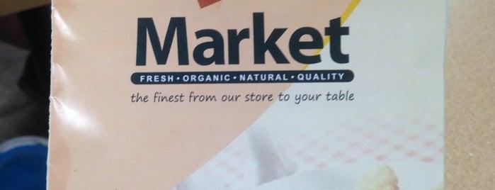 J's Natural Market is one of Lieux qui ont plu à Andy.