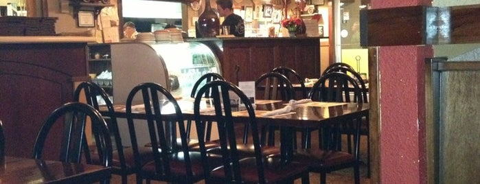 Anna Maria's Pizza is one of Lugares favoritos de R.