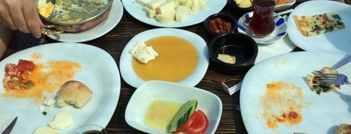 Muhlama Karadeniz Mutfağı is one of yenilesiii.