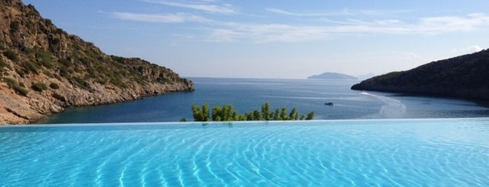 Daios Cove Luxury Resort & Villas is one of Lieux qui ont plu à Mr.S.