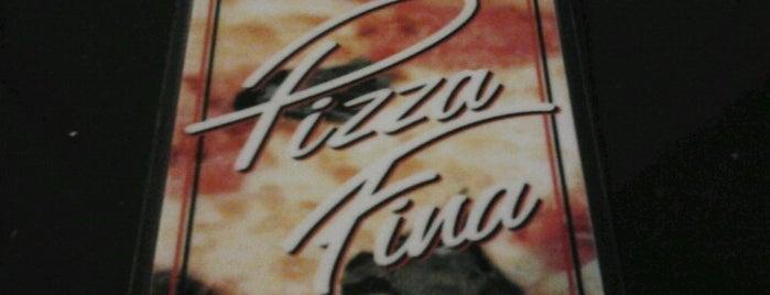 Pizzaria Pizza Fina is one of Locais curtidos por Adriana Costa.