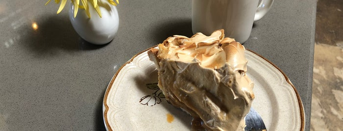 Emporium Pies is one of Locais curtidos por Sirus.