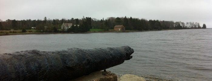 Oak Island is one of Davidさんの保存済みスポット.