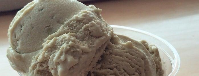 Rhea's Ice Cream is one of Gespeicherte Orte von Macey.