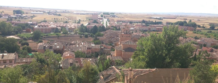 Ayllón is one of สถานที่ที่ Miguel ถูกใจ.