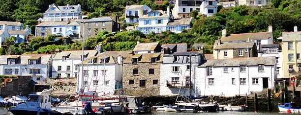 Polperro Harbour is one of Camping With PUDS.
