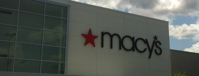 Macy's is one of Lugares favoritos de Mike.