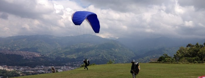 Parapente Aguilas is one of Turismo Colombia.