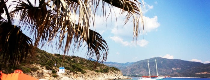 Sarti Beach is one of Selanik.