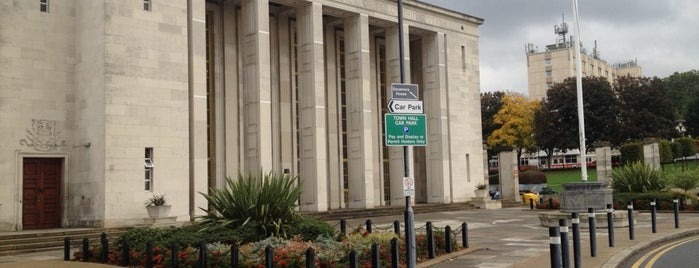 Walthamstow Assembly Hall is one of London-Live music.