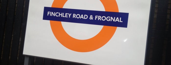 Finchley Road & Frognal London Overground Station is one of Locais curtidos por Martin.