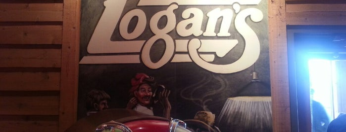 Logan's Roadhouse is one of Kristeenaさんのお気に入りスポット.