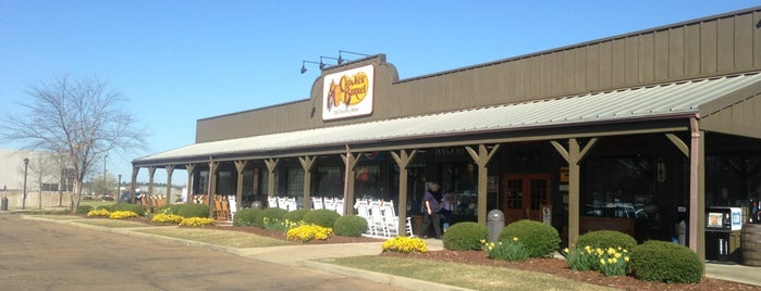Cracker Barrel Old Country Store is one of Breanna 님이 좋아한 장소.