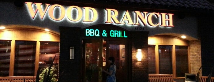 Wood Ranch BBQ & Grill is one of Lieux qui ont plu à Amy.