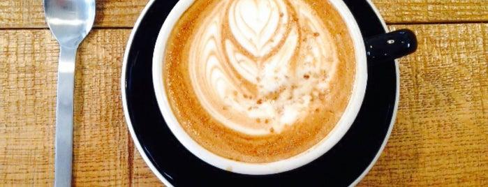 LATTEST Omotesando Espresso Bar is one of Tokyo Coffee (東京都コーヒー).