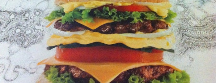 Yankees Grill & Burger is one of สถานที่ที่ Kyriaki ถูกใจ.