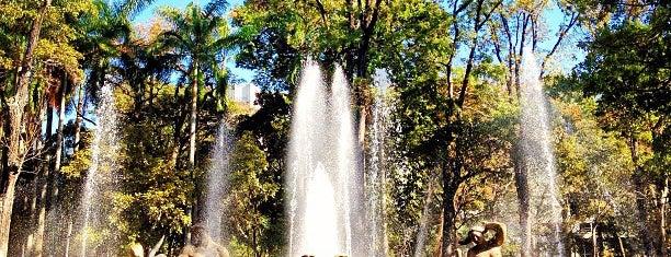 Parque Los Caobos is one of Orte, die Julio César gefallen.