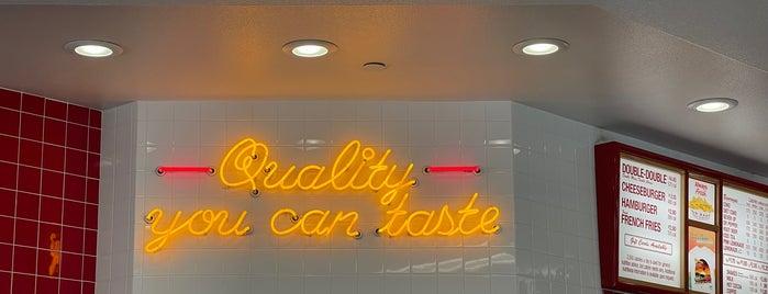 In-N-Out Burger is one of Mom Springs🌴.