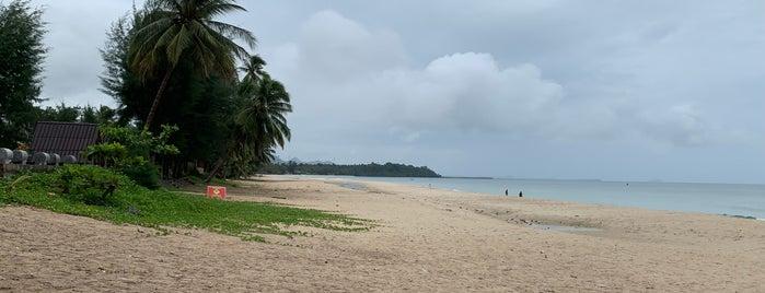 Tung Wua Laen Beach is one of Lieux sauvegardés par Dale.