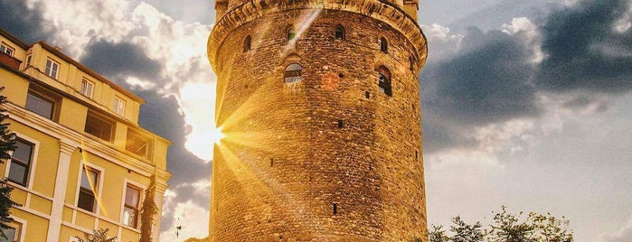 Torre de Gálata is one of Lugares favoritos de 🇹🇷 Samimî.