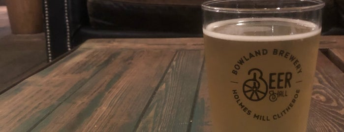 Bowland Brewery is one of Tempat yang Disukai Louise.