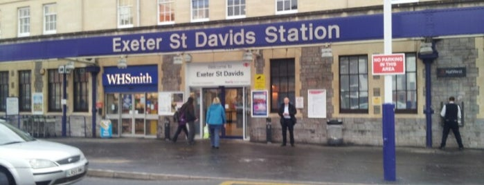 Exeter St Davids Railway Station (EXD) is one of Marcelaさんのお気に入りスポット.