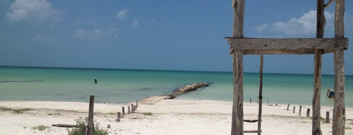 Playa Holbox is one of Lieux sauvegardés par Miguel.