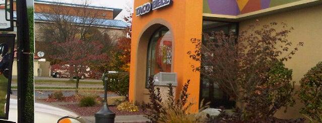 Taco Bell is one of Locais curtidos por Courtney.