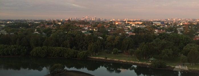 Cooks River is one of Orte, die Dmitry gefallen.
