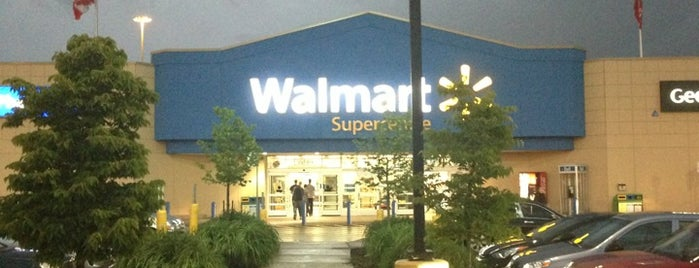 Walmart Supercentre is one of Posti salvati di Dayana.