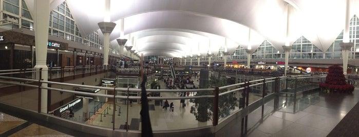 Terminal West is one of Tempat yang Disukai Cheri.