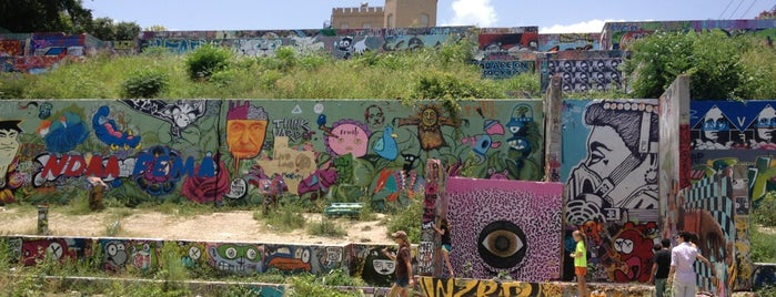 HOPE Outdoor Gallery is one of Austin.