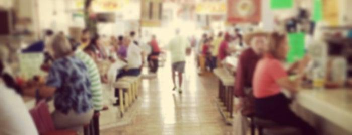 Mercado 18 de Marzo is one of Lieux qui ont plu à Lucila.