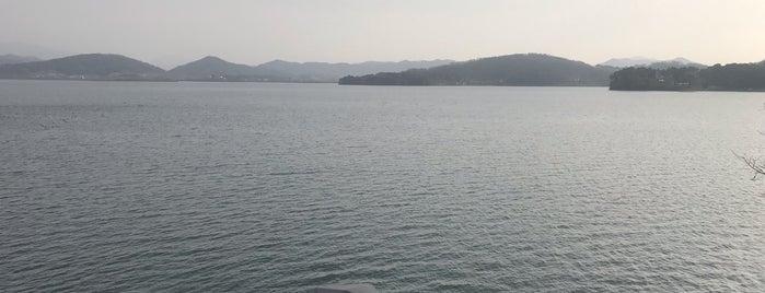 탑정호 수변공원 is one of สถานที่ที่ Zinan ถูกใจ.
