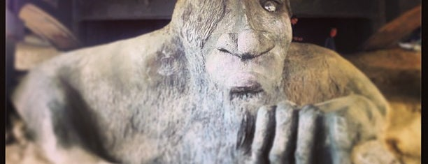 The Fremont Troll is one of Seattle Must Eats + Sights.