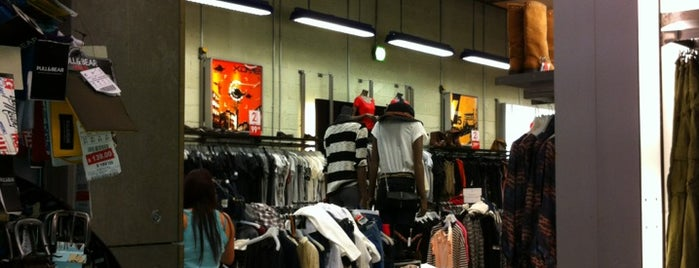 Pull & Bear is one of Fashion!!.