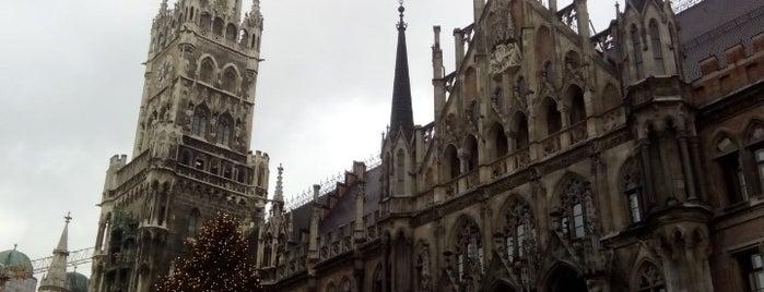 マリエン広場 is one of München mit Mama.